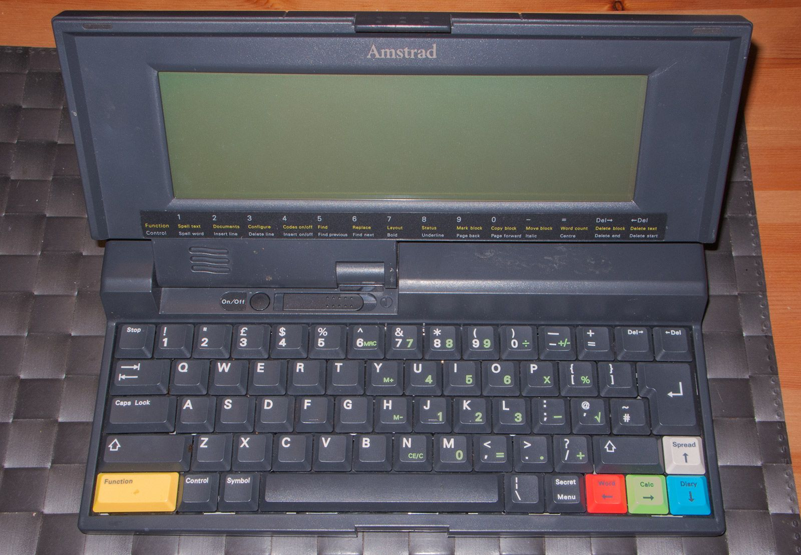 Amstrad Notepad NC200 open, screen and keyboard visible