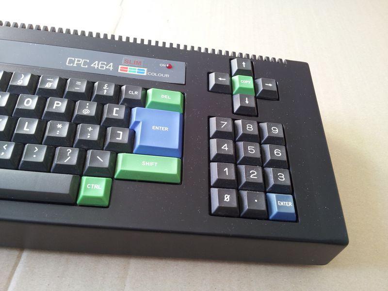 Amstrad CPC 464 coté pavé numérique 1 sur 2