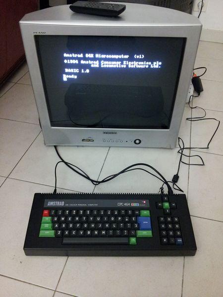 Amstrad CPC 464 slim avec son écran