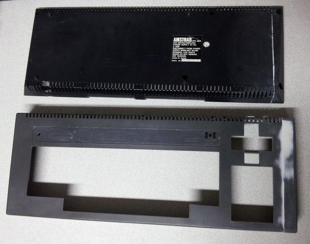 Amstrad CPC 464 découpé, dessus et dessous